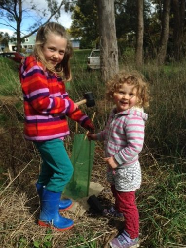 Woodend Landcare kids lending a helping hand