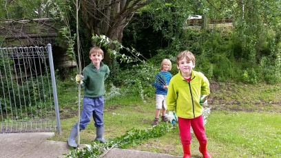 Woodend Landcare kids in action